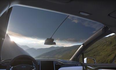 Ubezpieczenie Tesli w cenie samochodu?